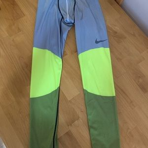 Men's Nike pro size large bright
